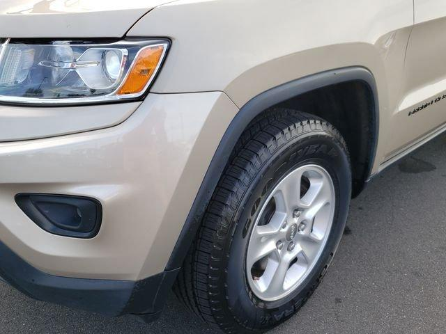 Pre-Owned 2014 Jeep Grand Cherokee 4WD 4dr Laredo