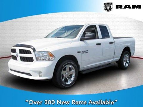 New 2017 RAM 1500 Express 4x4 Quad Cab 6'4 Box