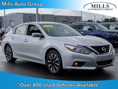 Pre-Owned 2018 Nissan Altima 2.5 SV Sedan FWD 4dr Car