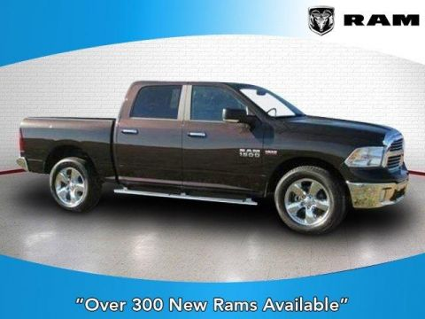 2017 RAM 1500 Big Horn 4x4 Crew Cab 5'7 Box